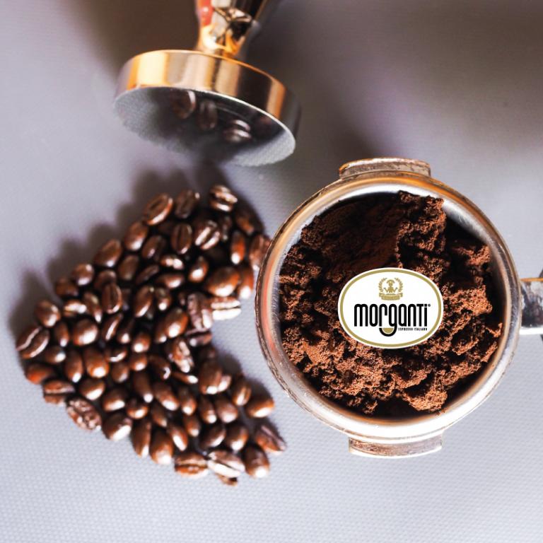 La Macinatura con amore: dedicarsi con passione e costanza al caffè.